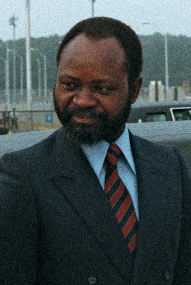 Was Mozambique air crash an assassination? The mysterious death of Samora Machel  There has never been a satisfactory inquiry into the air crash that killed the founding father of independent Mozambique, ending its first presidency. by Augusta Conchiglia  nov. 27, 2017